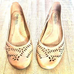 Cobb Hill women's genuine leather flats Size 9.5